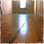 Skrzypiąca podłoga – sposoby na wyciszenie