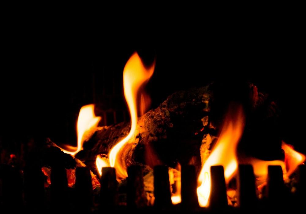 camp-fire-384597_1920