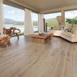 Jak odświeżyć drewnianą podłogę?